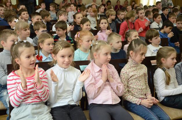 novaya-pesnya-koncert-v-shkole-1302-032.jpg