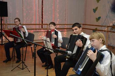 otchetny-koncert-vivat-akkordeon2013-012.jpg